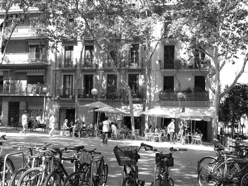 Squares of Gracia neighborhood, a meeting point